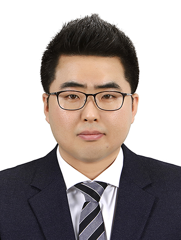 김정우 증명사진